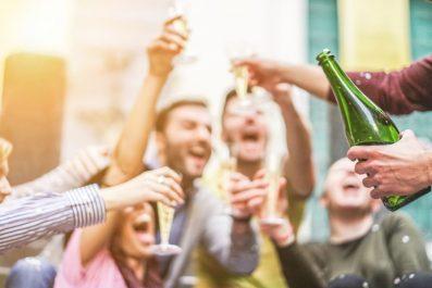 Nem alkoholisták, mégis halálra isszák magukat…